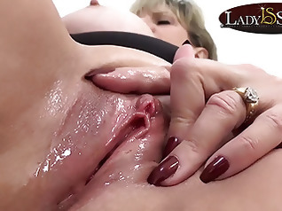 masturbation blonde fingering